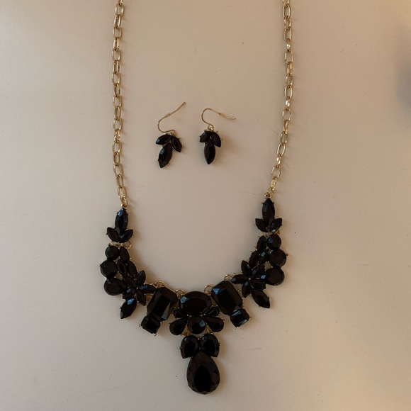 Charming Charlie Jewelry - Multilevel Statement Necklace w/ matching earrings